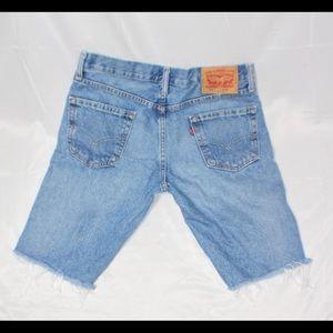 Cutoff Levi Shorts W30